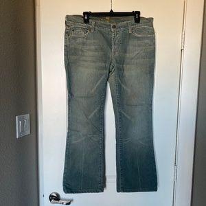 Seven For All Man Kind Light Washed Jeans 32/27
